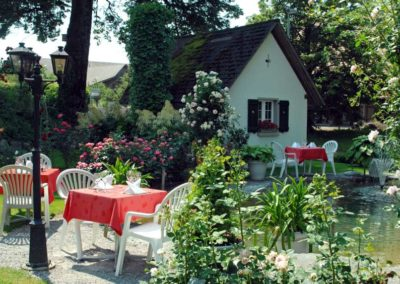 Garten_gedeckt_2-850